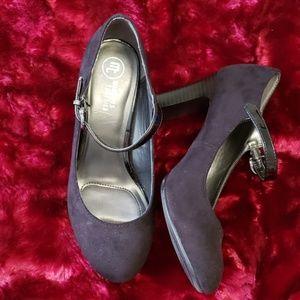 Mootsies Tootsies Black Heels